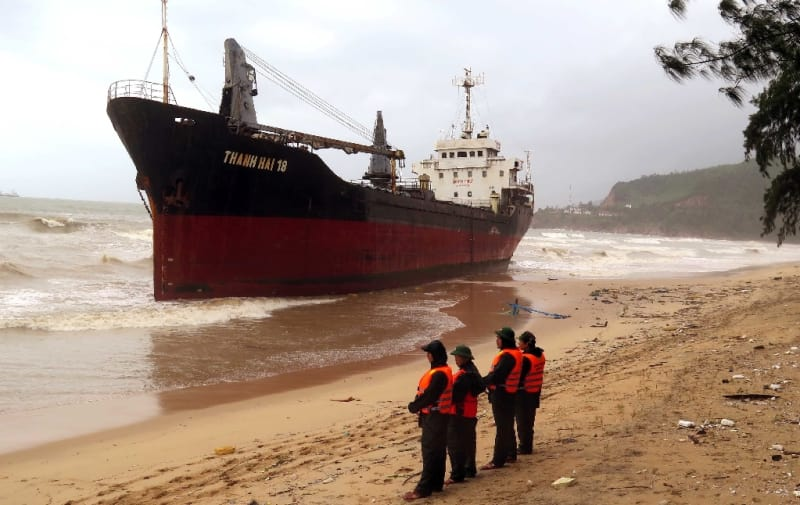 This picture taken on November 4, 2017 shows a ship pushed ashore in the central province of Binh Dinh after Typhoon Damrey made landfall (AFP Photo/STR)